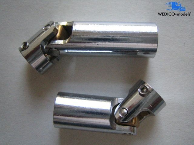 Cardan joint set 1 to connect #765 and